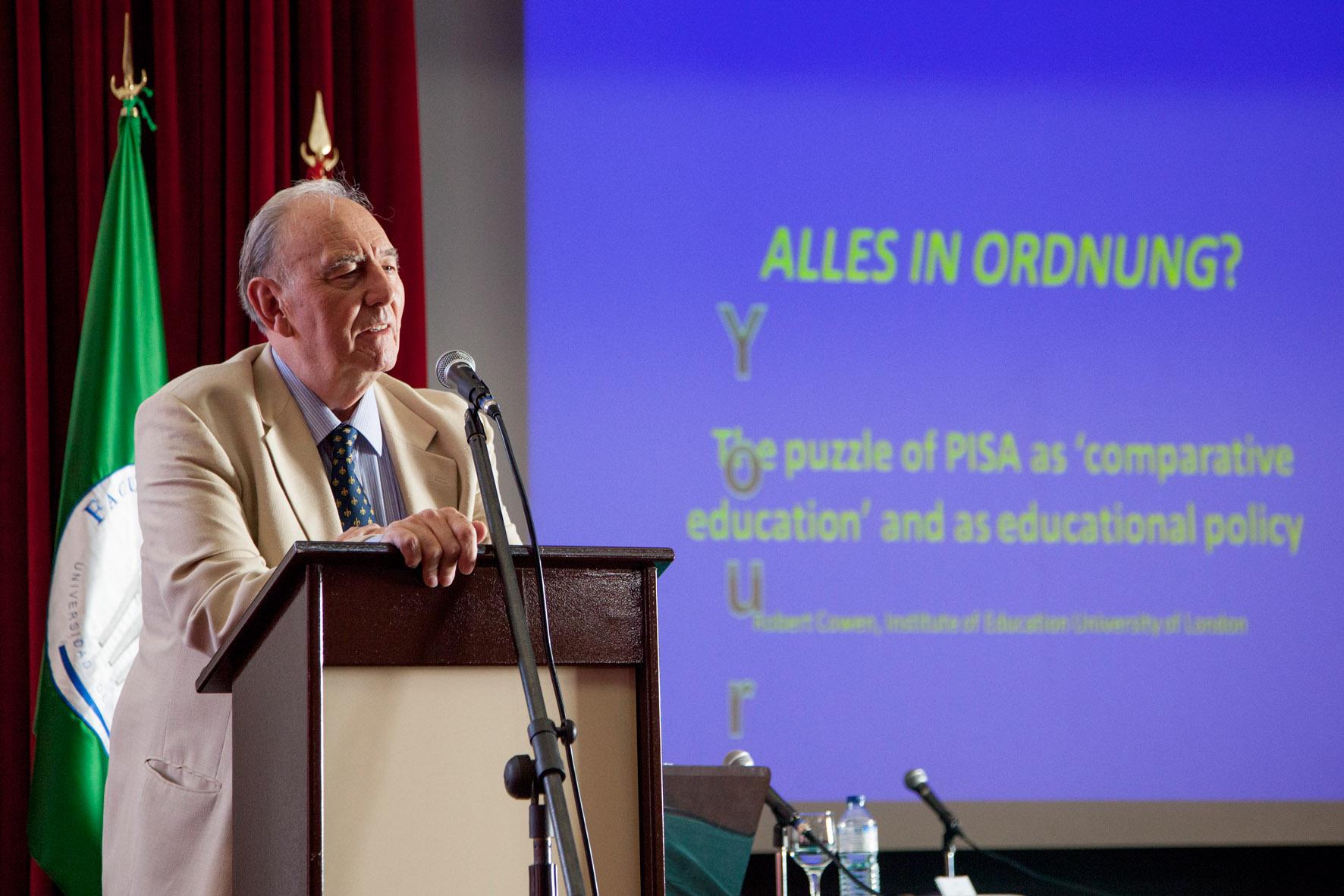 """Robert Cowen, experto en Educación Comparada de la Universidad de Londres: """"El problema no es en qué falla el informe PISA técnicamente, sino políticamente"""""""
